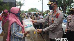 Polres Pati Salurkan Bantuan di Empat Desa yang Terdampak Banjir